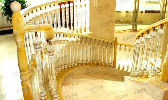 水晶玉楼梯